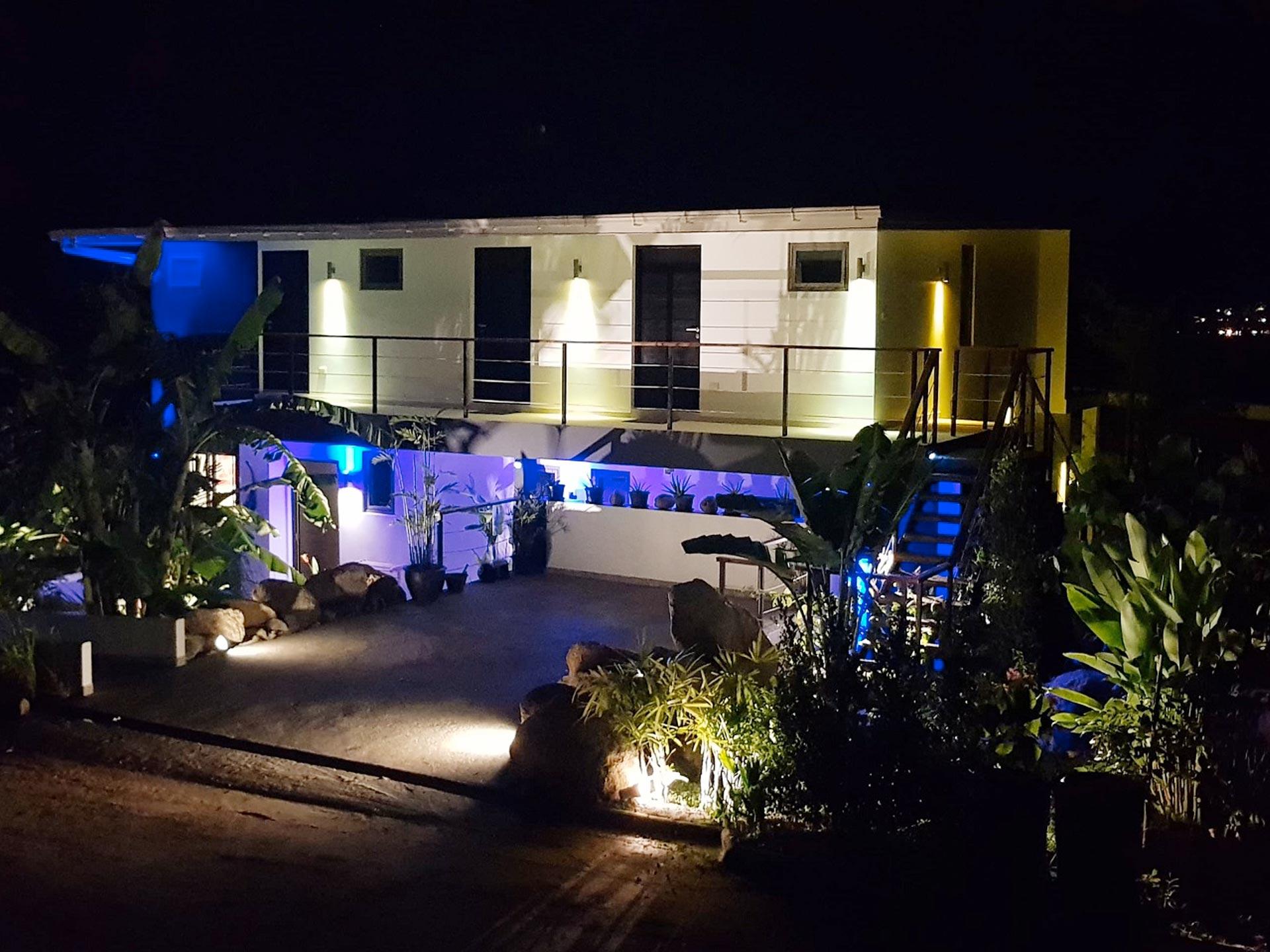la-villa-noi-koh-samui-villa-night-1